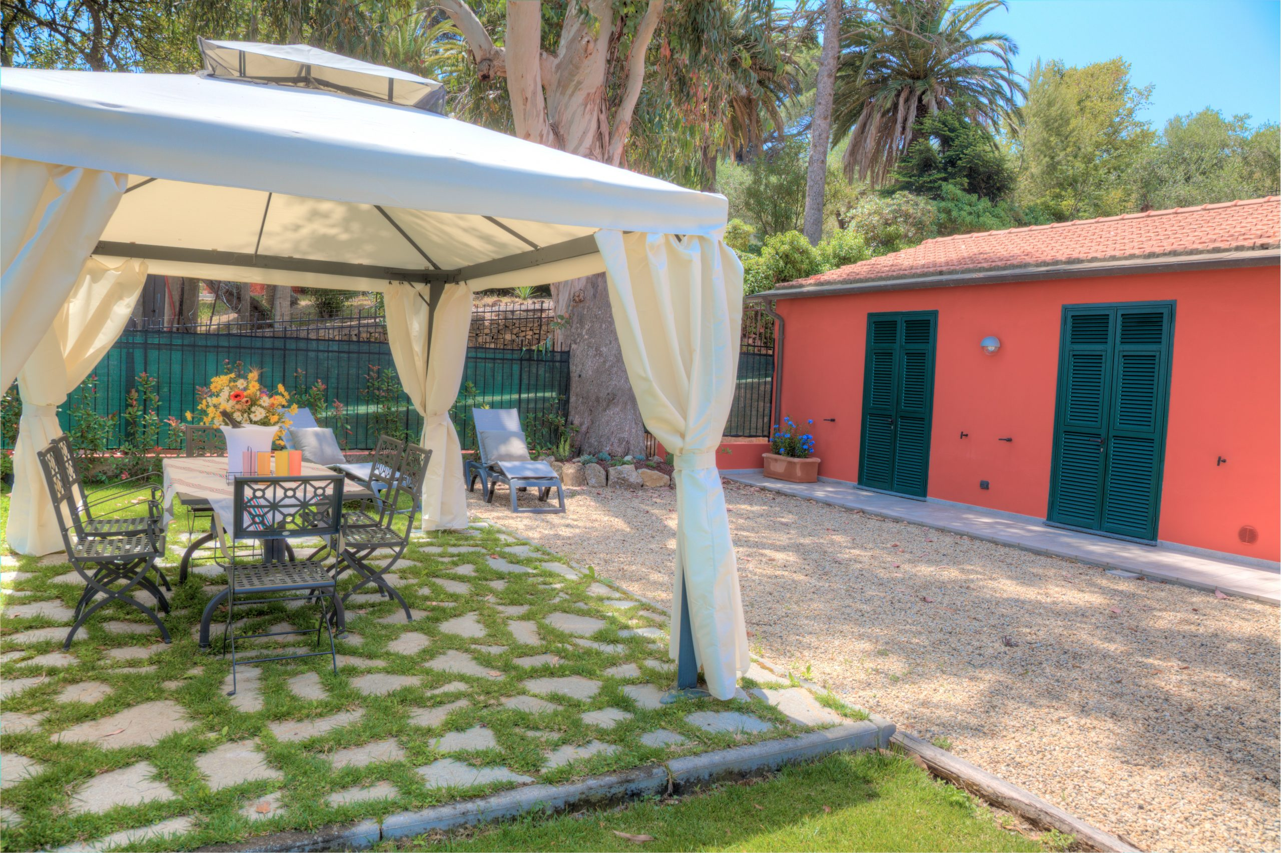 Casa-Geranio-IMG_0798_799_800_tonemapped